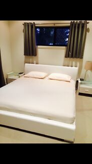 White pu leather king size bed