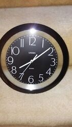 Linden 11 Quartz Wall Clock / AA battery operated