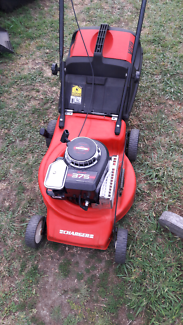 For sale Victa lawn mower runs well starts ezy VGC