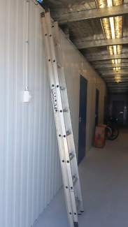 Bailey extension ladder