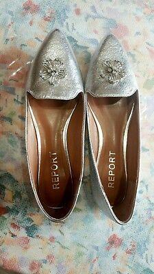 Brand New Silver Flat size 6 Report Footwear