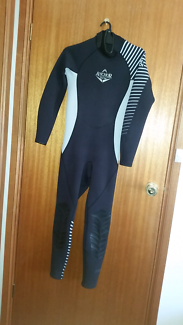 Anchor Wetsuit - Small mens - ultra stretch