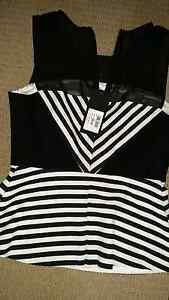 Black and white top size 8. Edgecliff Eastern Suburbs Preview