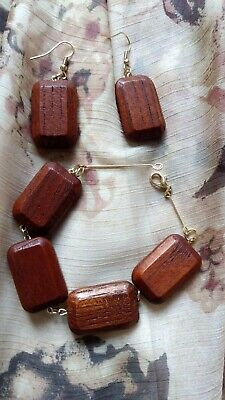 Best present for you Wooden earrings and a bracelet.Natural wood