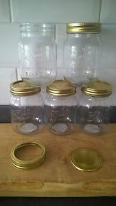 5 X MASON  500ml JARS WITH 2 PIECE SCREW TOP LIDS,IDEAL FOR STORAGE/JAM/CRAFTS