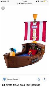 Lit bateau pirate