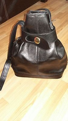100% Pure Italian Leather Ladies Black Handbag - BNWOT