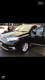 Toyota kluger 2011 very clean car