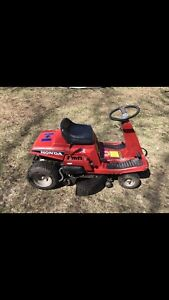Honda ride on lawnmower