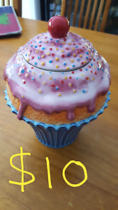 Ceremic cupcake need gone today Rutherford Maitland Area Preview