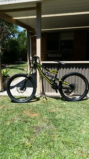2014 specialized sratus 2 Oxenford Gold Coast North Preview