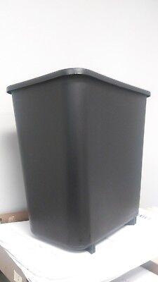 Twelve (12) Rubbermaid Black 8 Qt Vanity Wastebasket Trash Can 2 CASES 6/CASE
