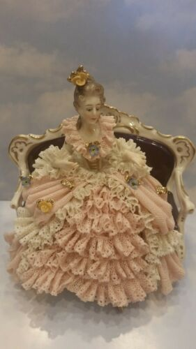 VINTAGE VOLKSTEDT DRESDEN LACE GERMAN PORCELAIN LADY ON SETTEE SOFA FIGURINE