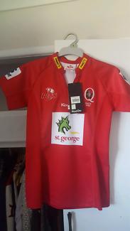 BNWT Ladies QLD Reds jersey