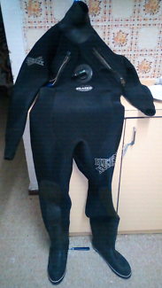 Scuba diving drysuit
