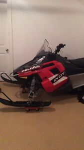 2015 Polaris Indy 550 skidoo- only 238 km