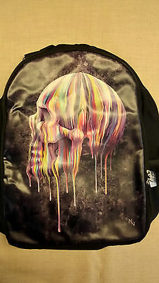 Mochila Con Calavera Dripping Skull Nemesis Now 40CM Doble Bolsillo de Tela