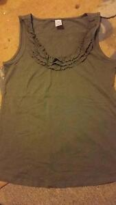 Army green Singlet Size 12 Ladies Klemzig Port Adelaide Area Preview