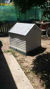 Large dog kennel Rothwell Redcliffe Area Preview