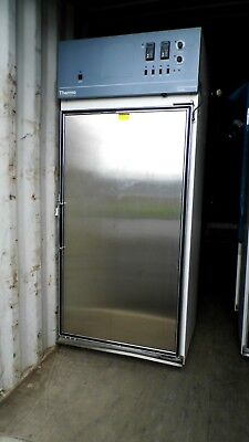 Thermo Electron 3940 29cf Incubatedrefrigerated Environmental Chamber Gray Top