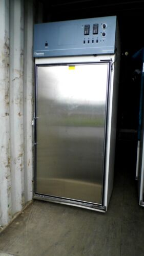 Thermo Electron 3940 29cf Incubated/refrigerated Environmental Chamber Gray Top