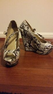 Lipstick Wedges Merrimac Gold Coast City Preview