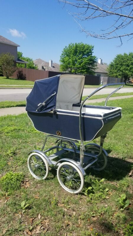 Vintage English Pram, Wonda Chair