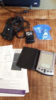 Palm V PDA mit portable Palm keyboard, mit Luxus-Metallstift, mit Luxus-Hülle