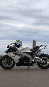 NEW PRICE !!! 2010 aprilia RSV4 - only one in maritimes !!!