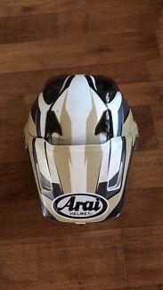 Arai xd4 motorcycle helmet size medium