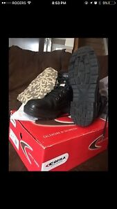 """Women's Cofra Safety boots 6"""" Size 39 (8.5)"""