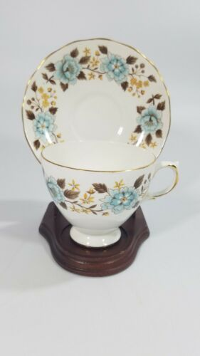 Queen Anne Footed Tea Cup Saucer Set Pattern 8460 Saucer Is Cracked See Pics - $1.99