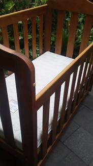 Cot 3 in 1 Grorite Quality Australian made timber plus mattress