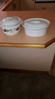2 casserole dishes $5 both pup only no holds location wodonga