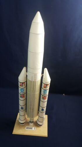 "NASA-Engineered ESA Ariane 5 Rocket Segmented Paper Model Hi-Detail 22"" RARE"