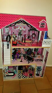 As New Monster High Doll, Doll House,  Horse & Accessories  Hinchinbrook Liverpool Area Preview