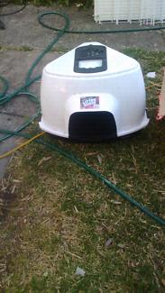 Cat litter corner unit