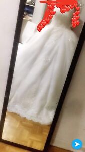 New wedding dress with accessories