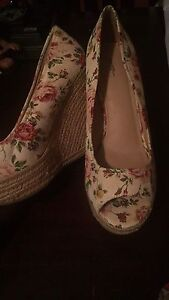 Size 9 wedges worn once