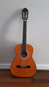 3/4 Valencia TC13 acoustic/classical + case Sorrento Joondalup Area Preview