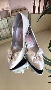 Lovely cream satin shoes, wedding, bridal, white Salisbury Brisbane South West Preview