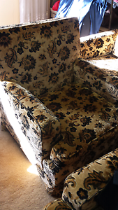 Free Couches Roselands Canterbury Area Preview