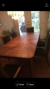 Dining Room Set - Solid Oak Excellent Condition
