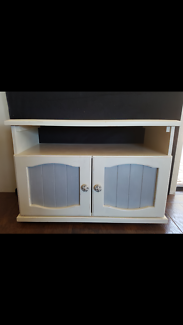 Shabby TV Cabinet or Indoor Pet Bed