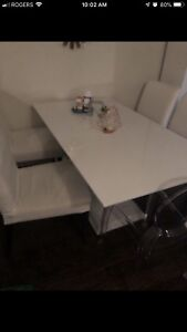 White glossy table 6 seater
