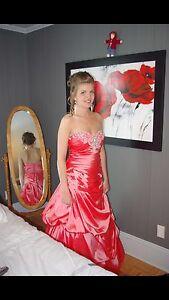 Magnifique robe de bal Saguenay Saguenay-Lac-Saint-Jean image 1