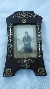RARE ANTIQUE ORMOLU BRASS EAGLE ARROWS USA ?LAUREL LEAF PICTURE FRAME MILITARY ?