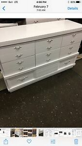 WHITE RETRO 2 PIECE DRESSER SET