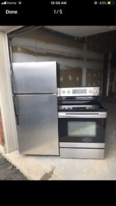 Excellent working condition Fridge/Stove can DELIVER