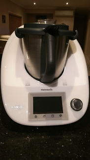 Thermomix TM5 with accessories
